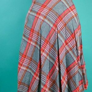 Vintage 60s/70s Gray/Red Pleated Plaid Skirt XS